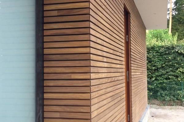 huizen met houten gevel